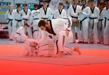 texnikes-spasimatos-ekrixi-taekwondo